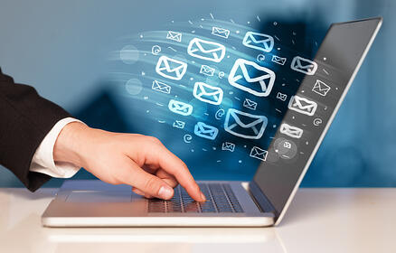 Concept of sending e-mails from your computer-2